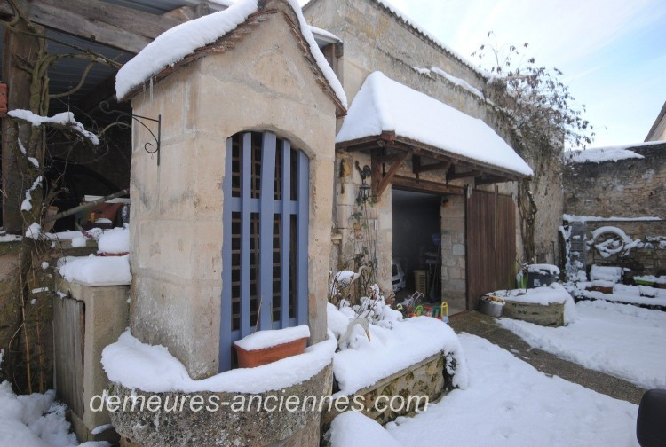 Property for Sale in Charming farmhouse with old barn near Senlis, Oise, Hauts-de-France, France