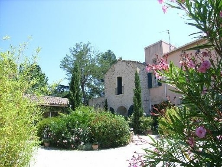 Property for Sale in Furnished Apartment Among 12 Other Small Stone Residences In A Landscaped…, Herault, Beziers, Occitanie, France