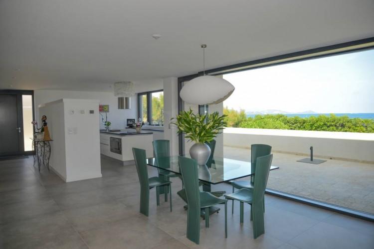 Property for Sale in House in Saint Aygulf, Var, Provence-Alpes-Côte d'Azur, France