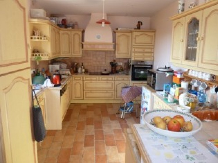 Property for Sale in House in Midi-Pyrenees, Lot, On the edge of a hamlet, 10 minutes drive from a village with all amenities. Beautiful view., Occitanie, France