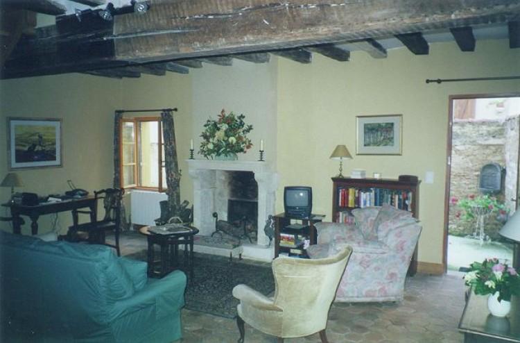 Property for Sale in Yonne, Auxerre, Bourgogne-Franche-Comté, France