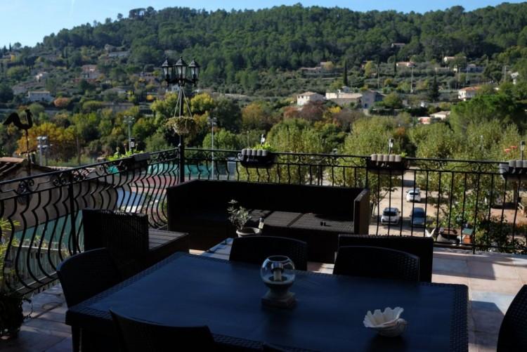 Property for Sale in House in Cotignac, Var, Provence-Alpes-Côte d'Azur, France