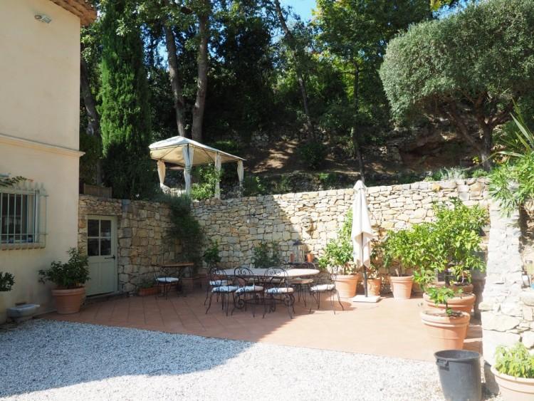 Property for Sale in Bastide in Draguignan, Var, Provence-Alpes-Côte d'Azur, France