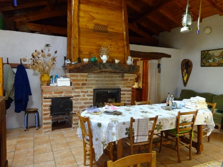 Property for Sale in House in Midi-Pyrenees, Tarn-et-Garonne, Midi-Pyrenees, Occitanie, France