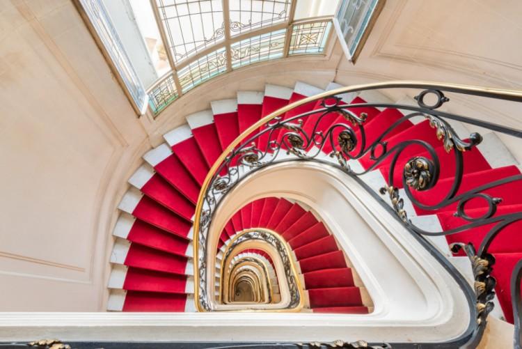 Property for Sale in Etoile Francois Premier View, Paris, Etoile - Rue François 1er, Île-de-France, France