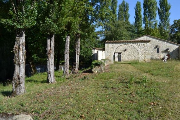 Property for Sale in Gironde, Bordeaux, Nouvelle-Aquitaine, France