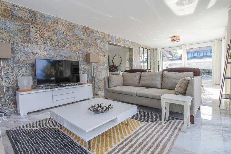 Property for Sale in House, Haute-Savoie, Amphion, Auvergne-Rhône-Alpes, France