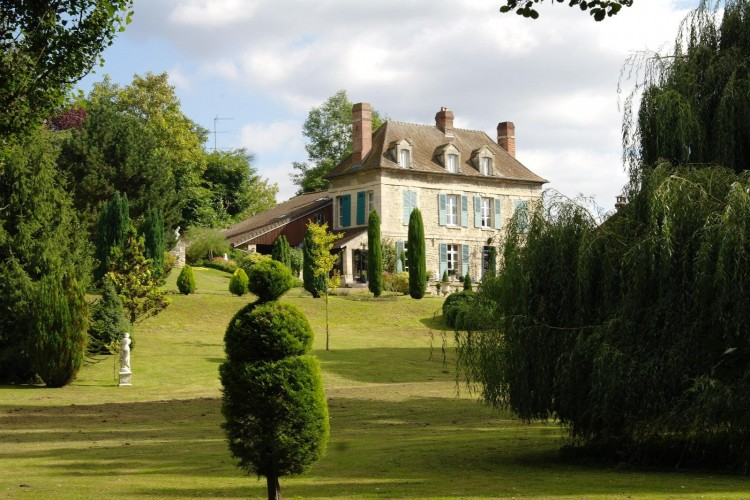 Property for Sale in PROPERTY ON THE 4 Ha CHANTILLY NORD, Oise, Hauts-de-France, France