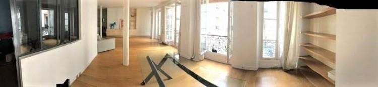 Property for Sale in Lovely apartment in the heart of LE MARAIS, Paris, Le Marais - Sainte Croix, Par, Île-de-France, France