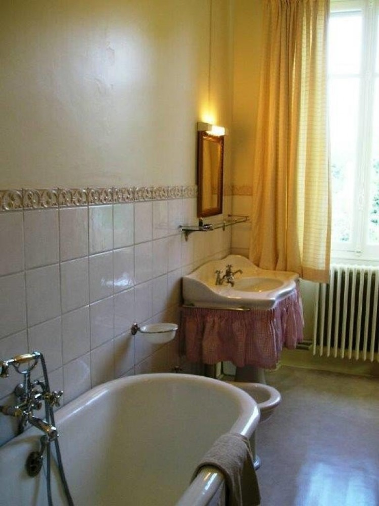 Property for Sale in HOUSE OF MASTER + 5 GITES, Dordogne, Tourtoirac, Nouvelle Aquitaine, France