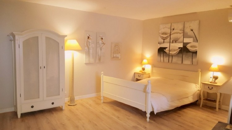 Property for Sale in Beautiful Character House With Main Residence, Apartment, Stables, Indoor Pool And Garden., Hérault, Beziers, Occitanie, France
