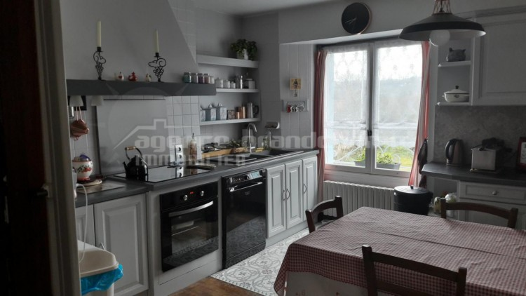 Property for Sale in Beautiful house (former, Dordogne, Nantheuil, Nouvelle Aquitaine, France