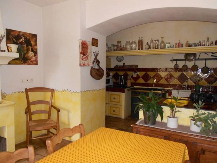 Property for Sale in Villa in Taradeau, Var, Provence-Alpes-Côte d'Azur, France