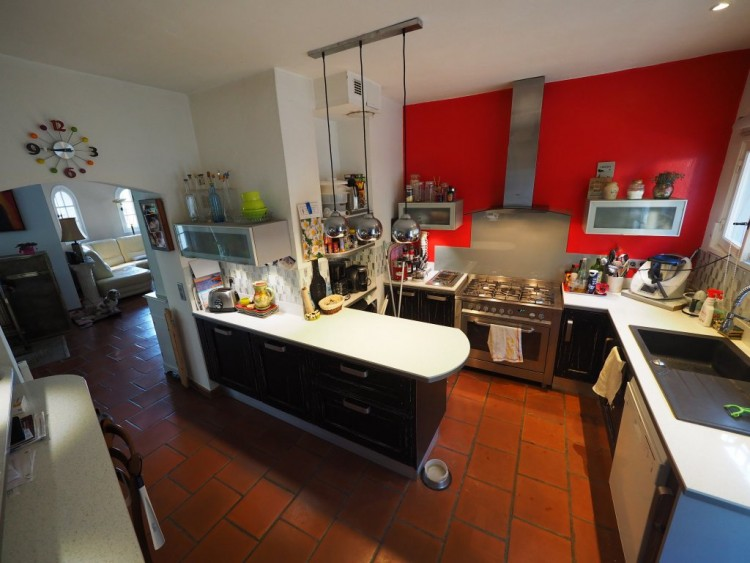 Property for Sale in House in Flayosc, Var, Provence-Alpes-Côte d'Azur, France