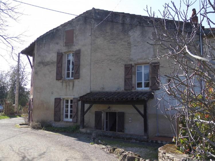 Property for Sale in Period property with plenty of charm, Tarn, Near Vindrac-Alayrac, Tarn, Occitanie, France