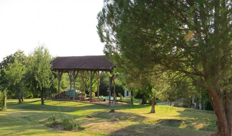 Property for Sale in Elegant Maison de Maître in a tranquil setting, Bordeaux region, Gironde, Near Loupiac-de-la-Réole, Gironde, Nouvelle-Aquitaine, France