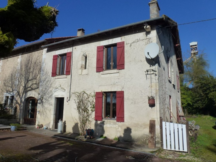 Property for Sale in Large character property with potential for commercial development, Charente, Near Aubeterre-sur-Dronne, Charente, Nouvelle-Aquitaine, France