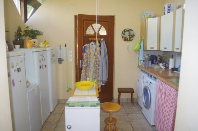 Property for Sale in Fabulous bungalow with guest house and pool, Charente, Near Brossac, Charente, Nouvelle-Aquitaine, France