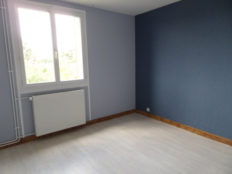 Property for Sale in Investment opportunity in the heart of a popular town, Haute-Vienne, Near Bellac, Haute-Vienne, Nouvelle-Aquitaine, France
