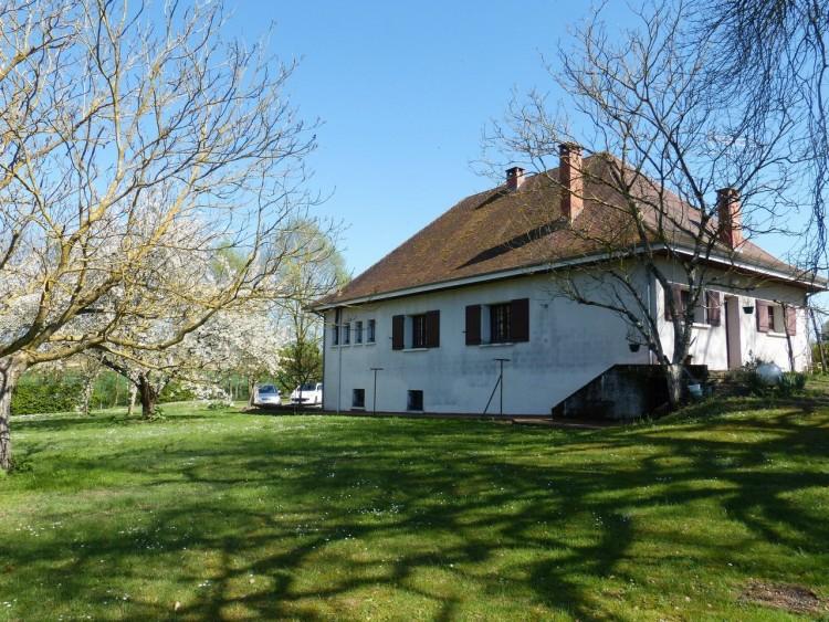 Property for Sale in Beautiful Villa in country setting with fantastic views, Lot-et-Garonne, Near Nérac, Lot-et-Garonne, Nouvelle-Aquitaine, France
