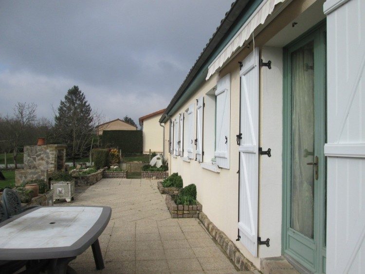 Property for Sale in One level living and walk to shops!, Haute-Vienne, Near Magnac-Laval, Haute-Vienne, Nouvelle-Aquitaine, France