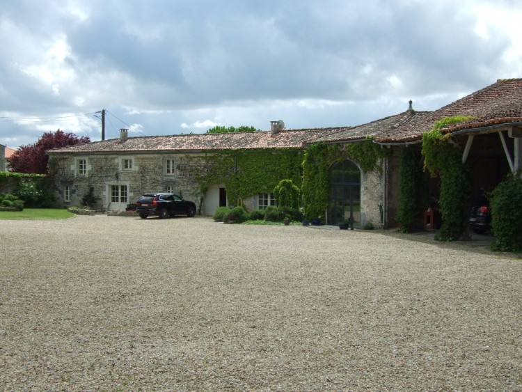 Property for Sale in Fabulous property with great business opportunity, Charente, Near Cognac, Charente, Nouvelle-Aquitaine, France