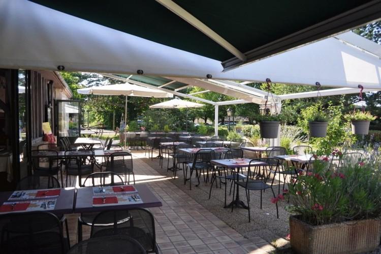 Property for Sale in Tourist complex for 150 with restaurant, Lot-et-Garonne, Near Monflanquin, Lot-et-Garonne, Nouvelle-Aquitaine, France