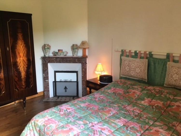 Property for Sale in Spacious individual split-level house, Vienne, Near Montmorillon, Vienne, Nouvelle-Aquitaine, France