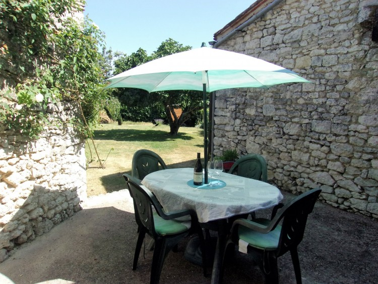 Property for Sale in Elegant 3 bedroom stone village house with barn conversion, garden and courtyard, Lot-et-Garonne, Near Duras, Lot-et-Garonne, Nouvelle-Aquitaine, France