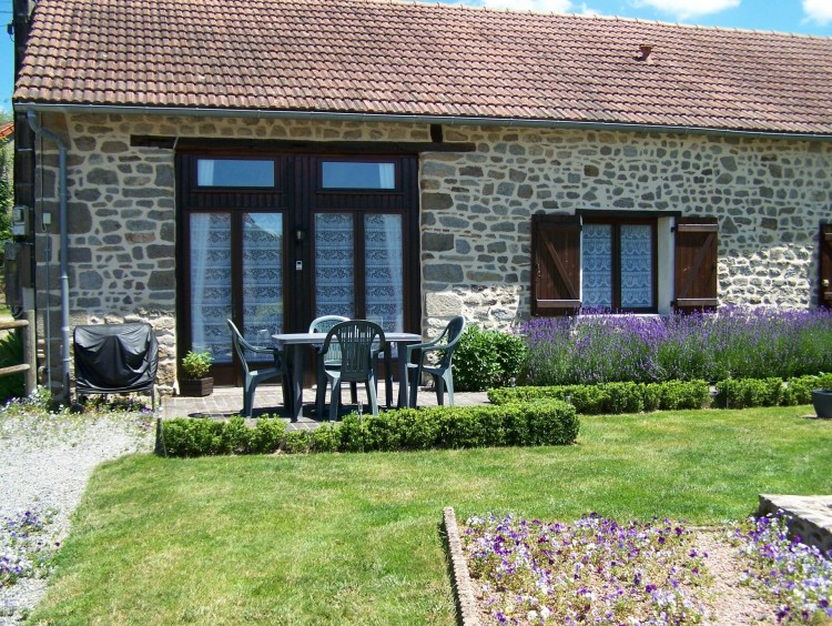 Property for Sale in Four luxury gites PLUS separate owners accommodation, in ground swimming pool and gardens, Creuse, Near ST DIZIER LEYRENNE, Creuse, Nouvelle-Aquitaine, France