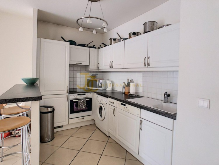 Property for Sale in Apartment in Antibes, Alpes Maritimes, Provence-Alpes-Côte d'Azur, France