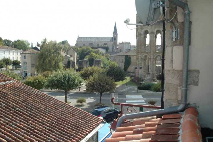 Property for Sale in Lovely home, gite potential, ideally placed for tourist activity, Vienne, Near Charroux, Vienne, Nouvelle-Aquitaine, France