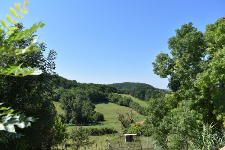 Property for Sale in House in Midi-Pyrenees, Ain, Five Minutes From A Village With Shops, Auvergne-Rhône-Alpes, France