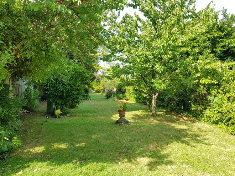 Property for Sale in Wonderful property with garden and pool currently used as a Chambres d'hôtes business, Lot-et-Garonne, Near Marmande, Lot-et-Garonne, Nouvelle-Aquitaine, France