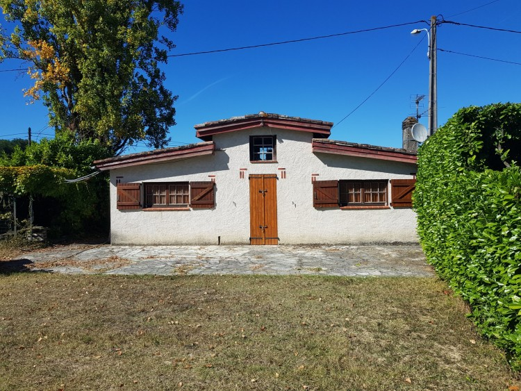 Property for Sale in Lovely large family home with mature garden and lovely views, Lot-et-Garonne, Near Nérac, Lot-et-Garonne, Nouvelle-Aquitaine, France