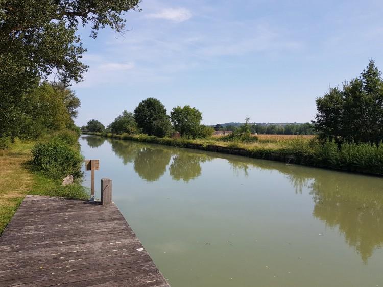 Property for Sale in Beautiful property near the Canal with land, Lot-et-Garonne, Near Nérac, Lot-et-Garonne, Nouvelle-Aquitaine, France