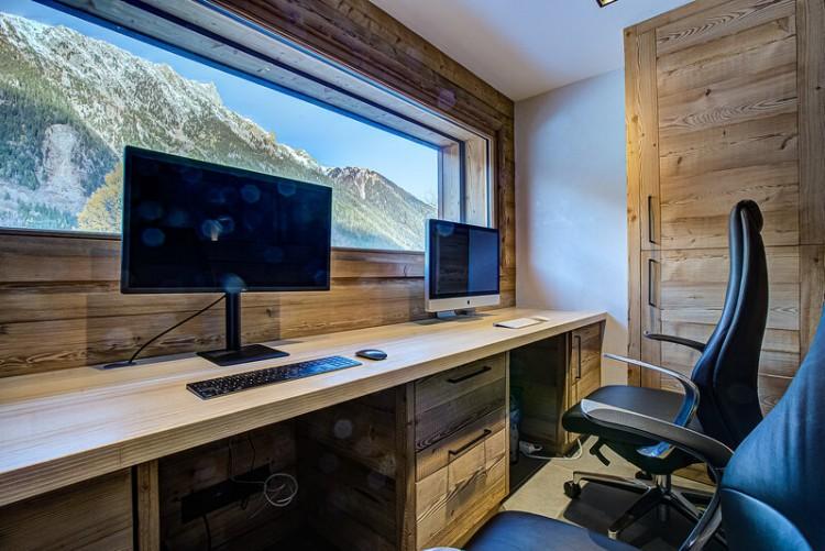 Property for Sale in Chalet Fleur, Haute Savoie, Auvergne-Rhône-Alpes, France