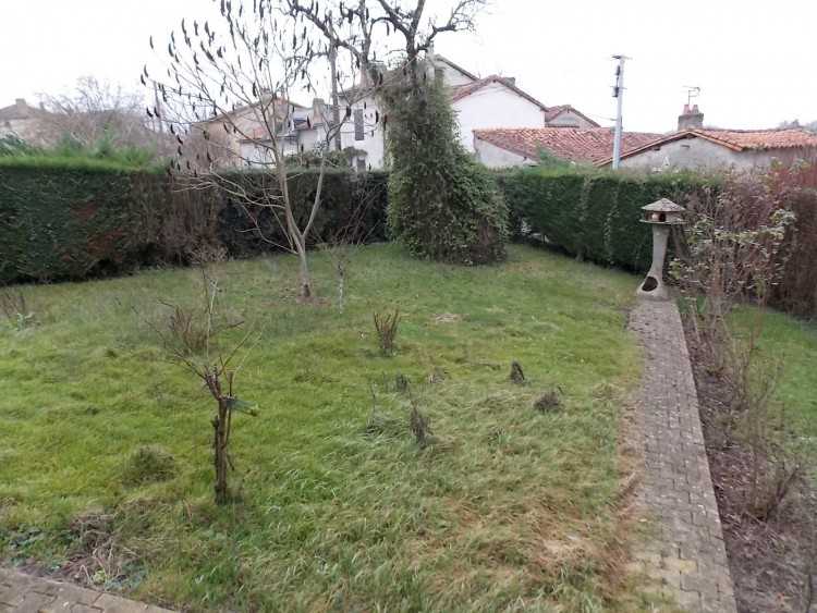 Property for Sale in Village house habitable with garden and garage, Vienne, Near Charroux, Vienne, Nouvelle-Aquitaine, France