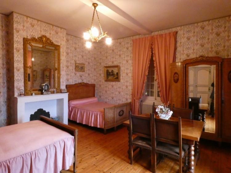 Property for Sale in Beautiful small castle overlooking the Lot valley, Lot-et-Garonne, Near Monflanquin, Lot-et-Garonne, Nouvelle-Aquitaine, France