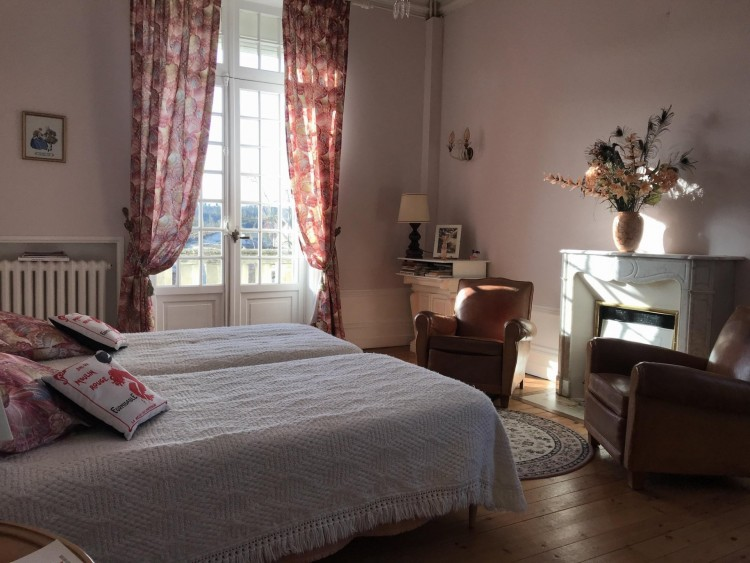 Property for Sale in Beautiful 20th Century dwelling 15 minutes from Angoulême, Charente, Near Angoulême, Charente, Nouvelle-Aquitaine, France