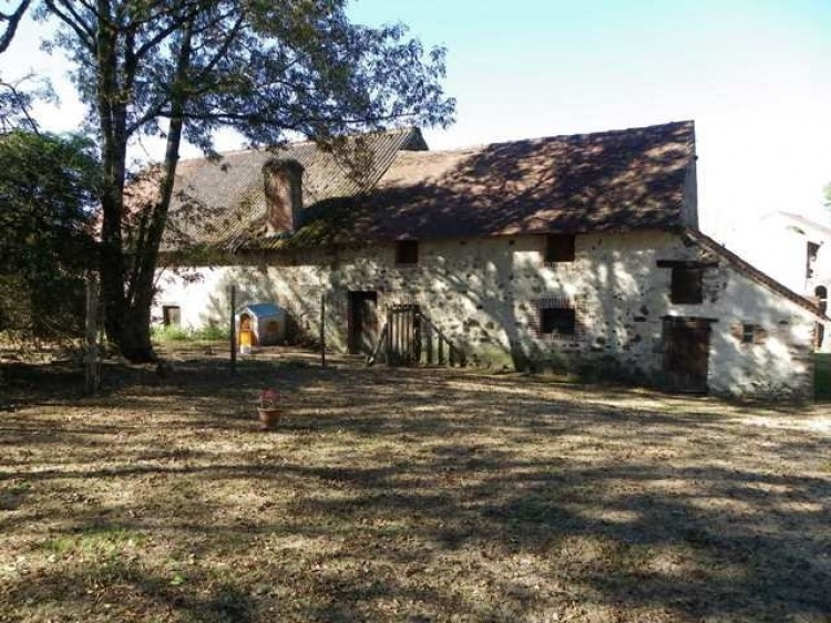 Property for Sale in For Sale Property 22 Rooms Magnac-Laval, Haute Vienne, Nouvelle Aquitaine, France
