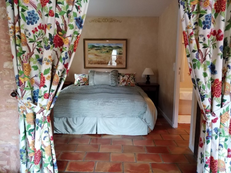 Property for Sale in A fabulous Country House or a family run business, Lot, Near Cahors, Lot, Occitanie, France