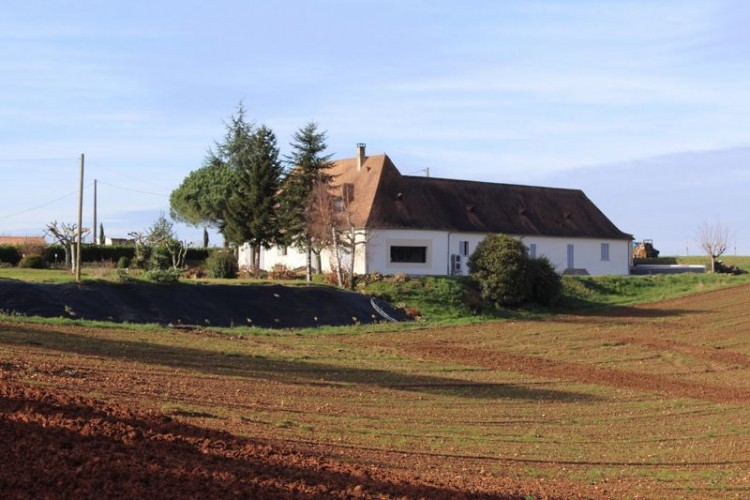 Property for Sale in Stunning renovation of charater property with over 6ha of land., Dordogne, Near Saint-Geyrac, Dordogne, Nouvelle-Aquitaine, France
