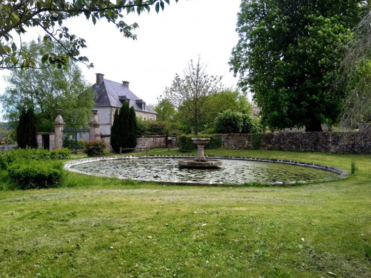 Property for Sale in Maison de Maître with three stunning water features, Creuse, Near Bourganeuf, Creuse, Nouvelle-Aquitaine, France