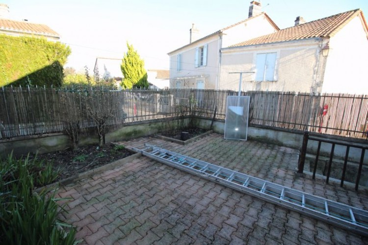Property for Sale in 3 bedroom centrally heated village property close to all amenities, Dordogne, Near Ribérac, Dordogne, Nouvelle-Aquitaine, France