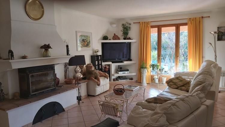 Property for Sale in Villa in Saint-Antonin-du-Var, Var, Provence-Alpes-Côte d'Azur, France
