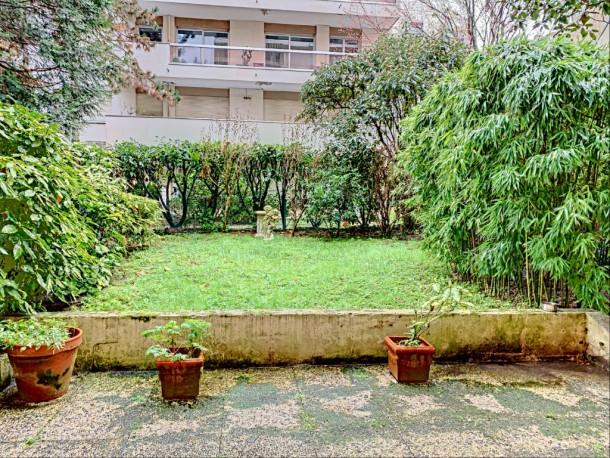 Property for Sale in Hauts de Seine, Neuilly, France, Île-de-France, France