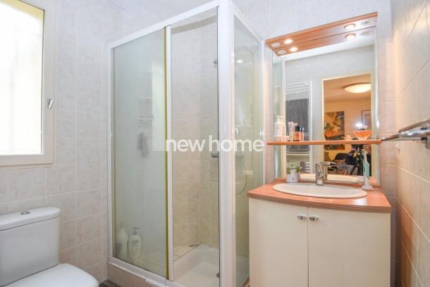 Property for Sale in Villa in Flayosc, Var, Provence-Alpes-Côte d'Azur, France
