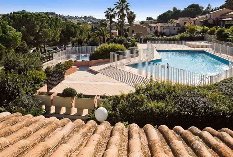 Property for Sale in TOTALLY RENOVATED APARTMENT -, Alpes-Maritimes, Vence, Provence-Alpes-Côte d'Azur, France