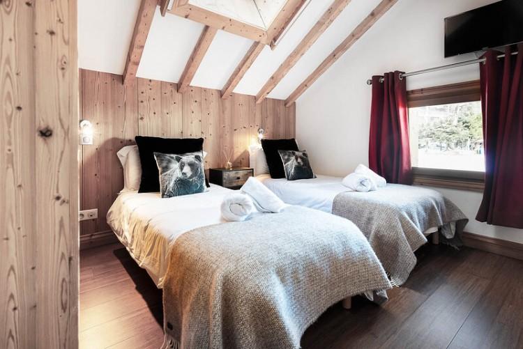 Property for Sale in Chalet Himalaya, Haute Savoie, Auvergne-Rhône-Alpes, France
